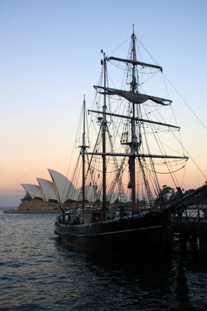 Sydney_ship