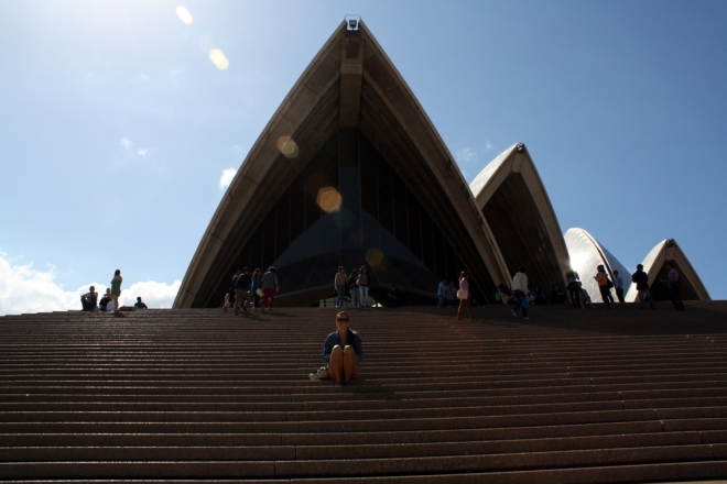 Sydney_steps-looking