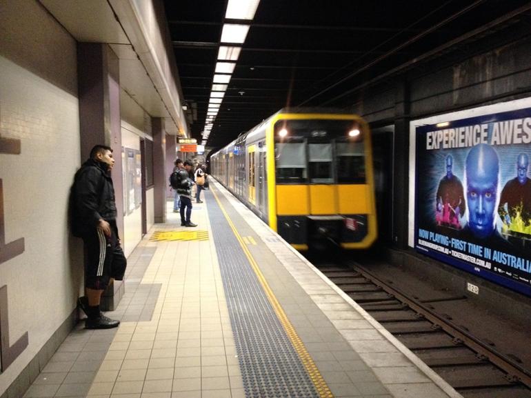 train-closer_ps