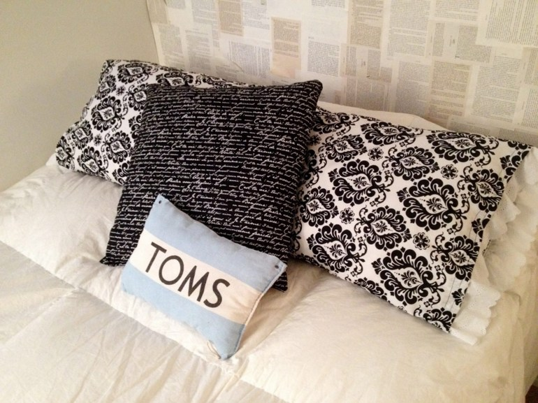 room_pillows_ps